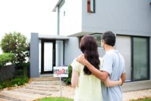 איך לעמוד בתשלומי המשכנתא ולהימנע מאובדן הבית